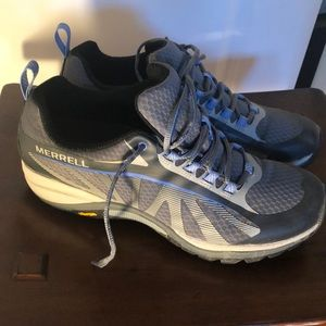 Merrill hiking shoe